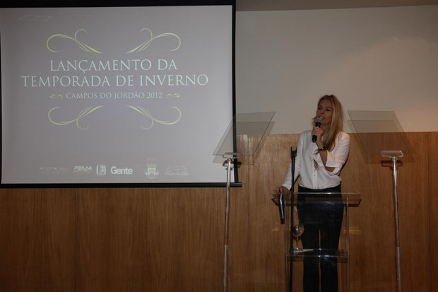 Adriane Galisteu no evento de lançamento da temporada de Inverno de Campos do Jordão (Foto: Manuela Scarpa/Photo Rio News)