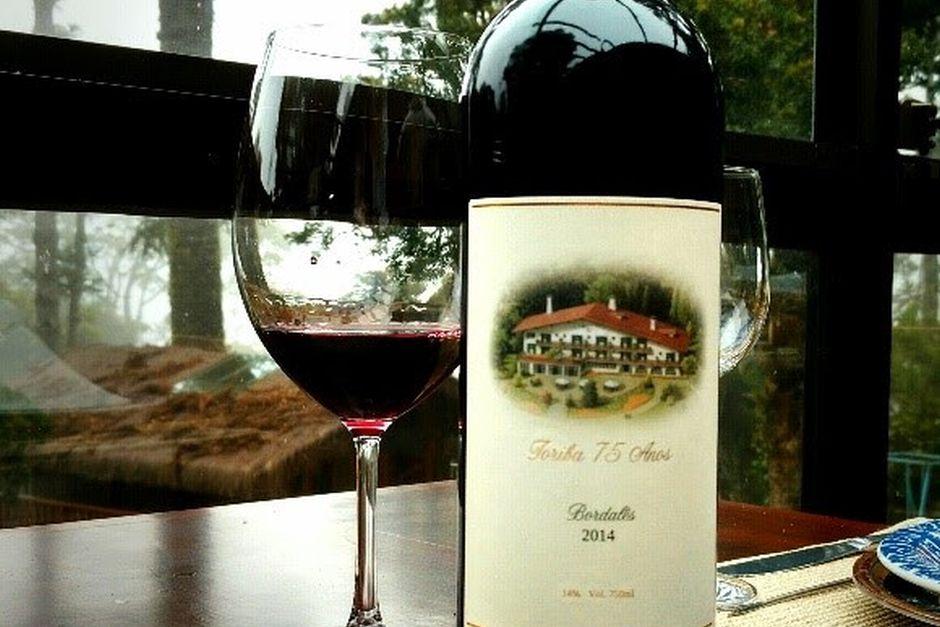 Hotel Toriba completa 75 anos com lançamento de vinho comemorativo